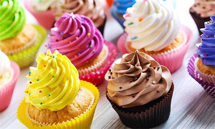 استند شیرینی، استند کیک و کلوچه